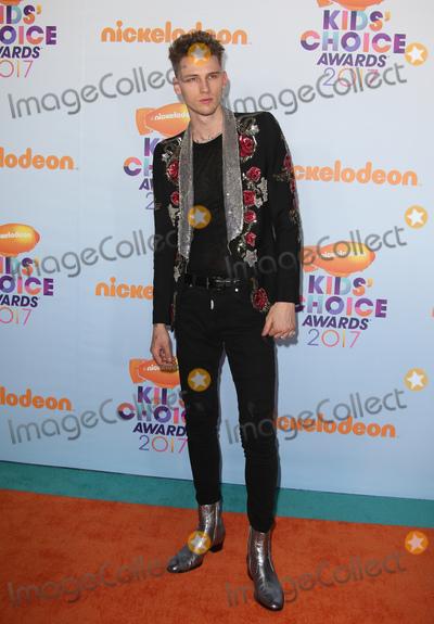 Photo - 11 March 2017 -  Los Angeles, California - Machine Gun Kelly. Nickelodeon's Kids' Choice Awards 2017 held at USC Galen Center. Photo Credit: Faye Sadou/AdMedia