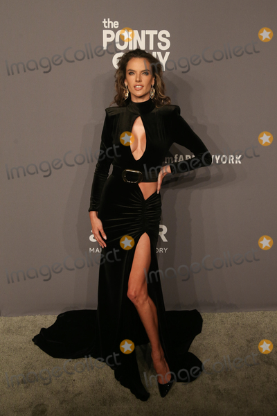 Alessandra Ambrosio Photo - 06 February 2019 - New York, NY - Alessandra Ambrosio. 21st Annual amfAR Gala New York benefit for AIDS research during New York Fashion Week held at Cipriani Wall Street. Photo Credit: Debby Wong/AdMedia