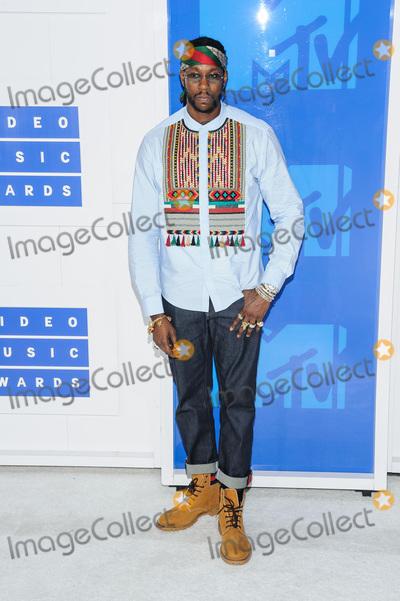 Photo - 28 August 2016 - New York, New York - 2 Chainz.  2016 MTV Video Music Awards at Madison Square Garden. Photo Credit: Mario Santoro /AdMedia
