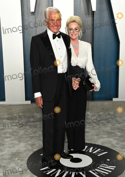 George Hamilton, Wallis Annenberg Photo - 09 February 2020 - Los Angeles, California - . 2020 Vanity Fair Oscar Party following the 92nd Academy Awards held at the Wallis Annenberg Center for the Performing Arts. Photo Credit: Birdie Thompson/AdMedia