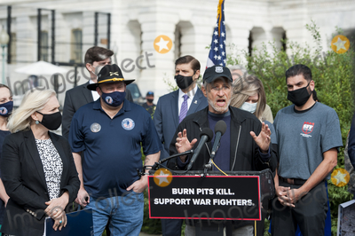 Jon Stewart, The Used, Kirsten Gillibrand Photo - Comedian Jon Stewart, offers remarks during a press conference regarding legislation to assist veterans exposed to burn pits, outside the US Capitol in Washington, DC., Tuesday, September 15, 2020.  Standing at left is US Senator Kirsten Gillibrand (Democrat of New York).Credit: Rod Lamkey / CNP/AdMedia