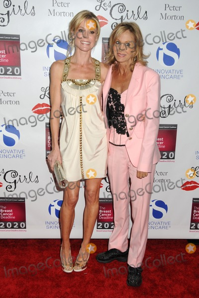 Julie Bowen, Arleen Sorkin Photo - 17 October 2011 - Hollywood, California - Julie Bowen and Arleen Sorkin. 11th Annual LES GIRLS Celebrity Cabaret held at Avalon. Photo Credit: Byron Purvis/AdMedia