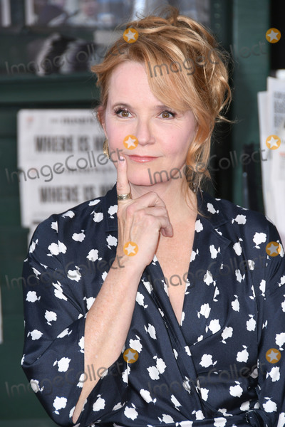 "Lea Thompson, TCL Chinese Theatre, Léna Jam-Panoï Photo - 24 October 2019 -Hollywood, California - Lea Thompson. ""The  Irishman"" Los Angeles Premiere held at the TCL Chinese Theatre. Photo Credit: Birdie Thompson/AdMedia"