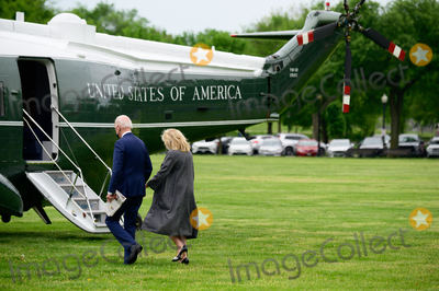 Jill Biden, Joe Biden, Marine One, White House, The White Photo - U.S. President Joe Biden and First Lady Jill Biden board Marine One on the Ellipse of the White House in Washington, D.C., U.S., on Monday, May 3, 2021. Biden's $4 trillion vision of remaking the federal government's role in the U.S. economy is now in the hands of Congress, where both parties see a higher chance of at least some compromise than for the administrations pandemic-relief bill. Credit: Erin Scott / Pool via CNP/AdMedia