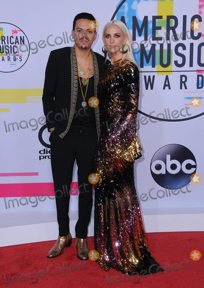 Ashlee Simpson, Evan Ross Photo - 19 November  2017 - Los Angeles, California - Evan Ross, Ashlee Simpson. 2017 American Music Awards  held at Microsoft Theater in Los Angeles. Photo Credit: Birdie Thompson/AdMedia