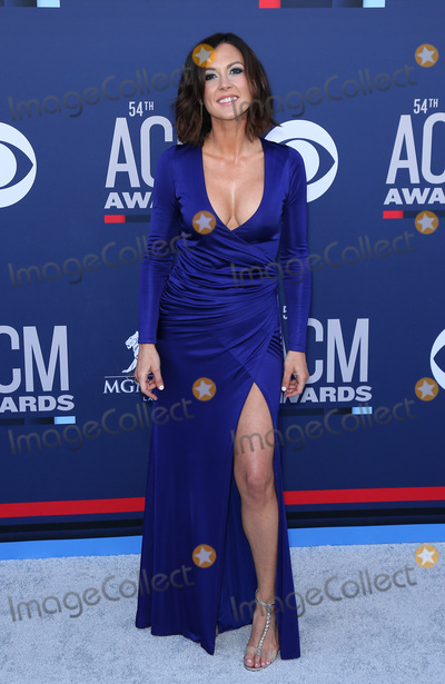 Amanda Shires Photo - 07 April 2019 - Las Vegas, NV - Amanda Shires. 54th Annual ACM Awards Arrivals at MGM Grand Garden Arena. Photo Credit: MJT/AdMedia