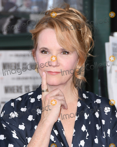 "Lea Thompson, TCL Chinese Theatre Photo - 24 October 2019 -Hollywood, California - Lea Thompson. ""The  Irishman"" Los Angeles Premiere held at the TCL Chinese Theatre. Photo Credit: Birdie Thompson/AdMedia"