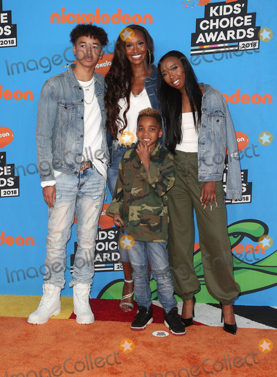 Beverly Peele, Cairo Peele, Hüsker Dü Photo - 24 March 2018 - Inglewood, California - Trey Peele-Nygard, DJ Peele, Beverly Peele, Cairo Peele. Nickelodeon's 2018 Kids' Choice Awards  held at The Forum. Photo Credit: F. Sadou/AdMedia