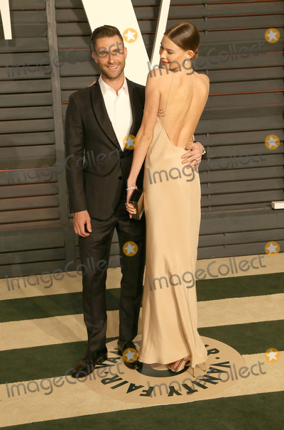 Adam Levine, Behati Prinsloo, Graydon Carter, Wallis Annenberg Photo - 22 February 2015 - Beverly Hills, California - Adam Levine, Behati Prinsloo. 2015 Vanity Fair Oscar Party Hosted By Graydon Carter following the 87th Academy Awards held at the Wallis Annenberg Center for the Performing Arts. Photo Credit: AdMedia