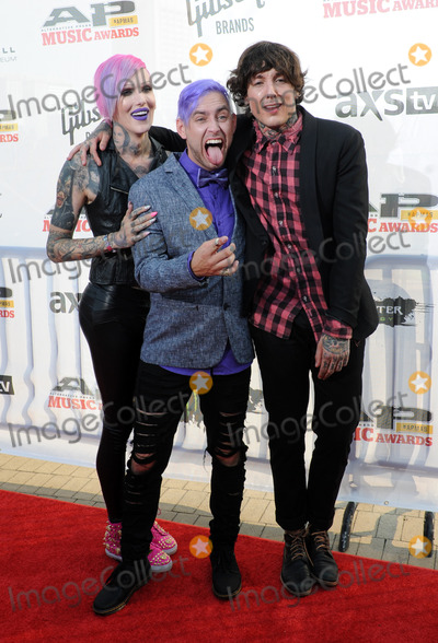 Jeffree Star, THE ROCK, Oli Sykes Photo - 21 July 2014 - Cleveland, OH - Music artist JEFFREE STAR, singer TYLER CARTER of the band ISSUES and vocalist OLI SYKES of the British band BRING ME THE HORIZON attend the 1st Annual 2014 Gibson Brands AP Music Awards at the Rock and Roll Hall of Fame and Museum   Photo Credit: Jason L Nelson/AdMedia