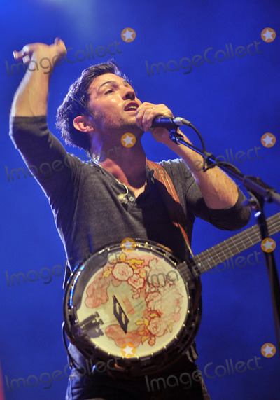 "Scott Avett, Avett Brothers, The Avett Brothers Photo - 27 May 2011 - Pittsburgh, PA - Vocalist/banjo player SCOTT AVETT of the band THE AVETT BROTHERS performs to a Sold Out crowd at a stop on their ""Summer Camp 2011 Tour"" held at Stage AE.  Photo Credit: Jason L Nelson/AdMedia"