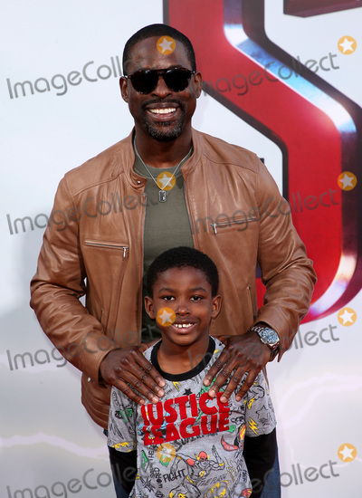 "Andrew Brown, TCL Chinese Theatre Photo - 28 March 2019 - Hollywood, California - Sterling K. Brown, Andrew Brown. Warner Bros. Pictures and New Line Cinema World Premiere of ""SHAZAM!"" held at TCL Chinese Theatre. Photo Credit: Faye Sadou/AdMedia"