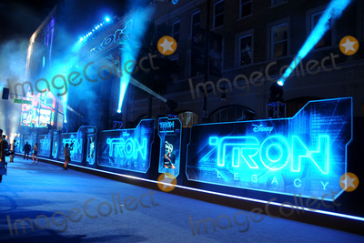 """Photo - 11 December 2010 - Hollywood, California - Atmosphere. """"TRON: Legacy"""" World Premiere held at the El Capitan Theatre. Photo: Byron Purvis/AdMedia"""