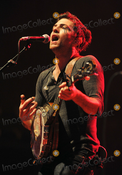 """Scott Avett, Avett Brothers, The Avett Brothers Photo - 27 May 2011 - Pittsburgh, PA - Vocalist/banjo player SCOTT AVETT of the band THE AVETT BROTHERS performs to a Sold Out crowd at a stop on their """"Summer Camp 2011 Tour"""" held at Stage AE.  Photo Credit: Jason L Nelson/AdMedia"""