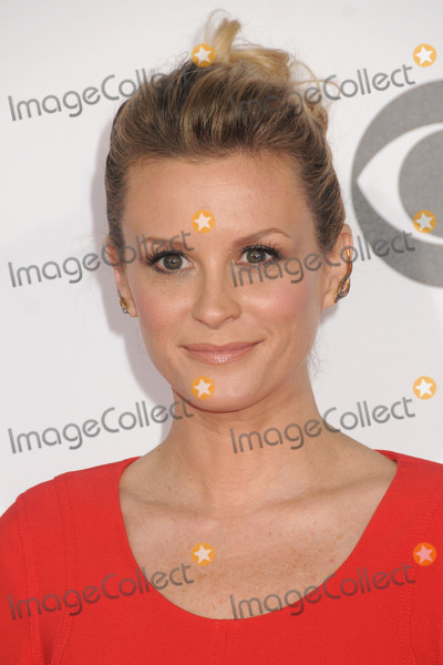 Bonnie Somerville Photo - 6 January 2016 - Los Angeles, California - Bonnie Somerville. People's Choice Awards 2016 - Arrivals held at The Microsoft Theater. Photo Credit: Byron Purvis/AdMedia