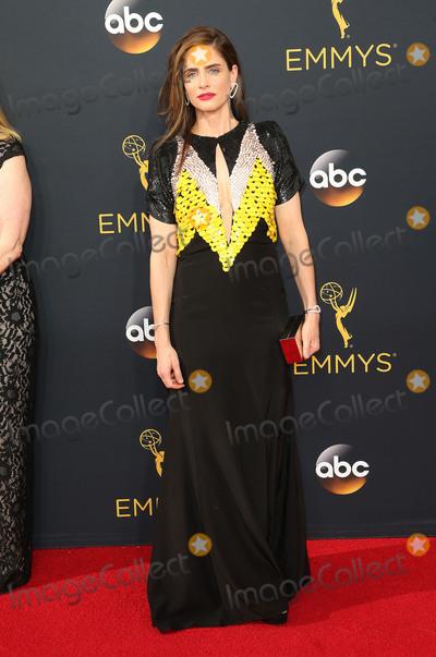 Amanda Peet, Amanda Peete Photo - 18 September 2016 - Los Angeles, California - Amanda Peet. 68th Annual Primetime Emmy Awards held at Microsoft Theater. Photo Credit: AdMedia
