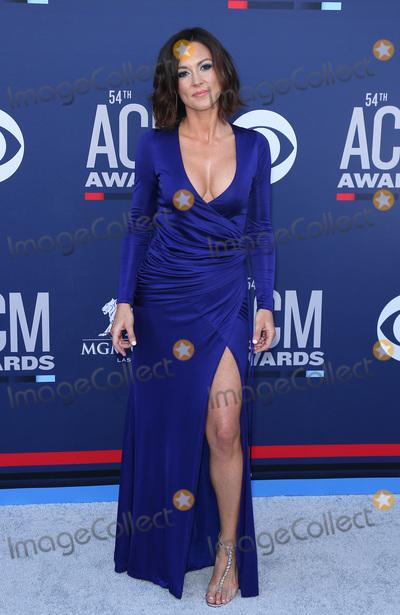 Amanda Shires Photo - 07 April 2019 - Las Vegas, NV - Amanda Shires. 54th Annual ACM Awards Arrivals at MGM Grand Garden Arena. Photo Credit: MJT/AdMedia
