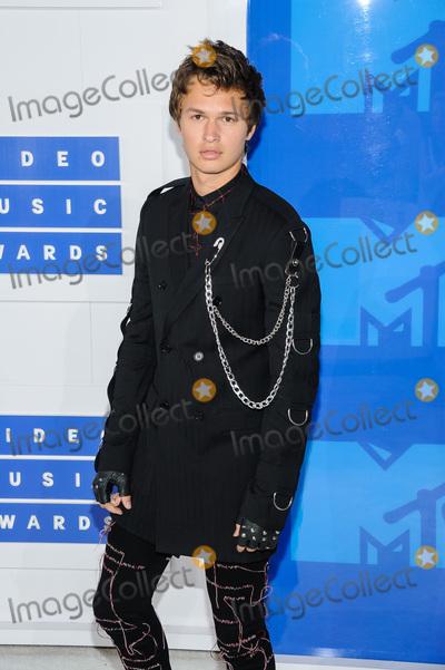 Ansel Elgort Photo - 28 August 2016 - New York, New York - Ansel Elgort.  2016 MTV Video Music Awards at Madison Square Garden. Photo Credit: Mario Santoro /AdMedia