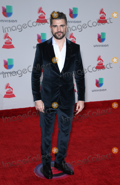 Juanes Photo - 16 November 2017 - Las Vegas, NV - Juanes.  2017 Latin Grammy arrivals at MGM Grand Garden Arena. Photo Credit: MJT/AdMedia