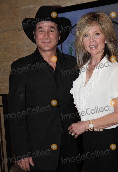 Photos and pictures 25 april 2011 nashville tn for Where is clint black and lisa hartman