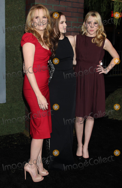 "Lea Thompson, Zoey Deutch, TCL Chinese Theatre, Léna Jam-Panoï Photo - 6 February 2013 - Hollywood, California - Lea Thompson, Zoey Deutch, Maddie Deutch. ""Beautiful Creatures"" Los Angeles Premiere held at the TCL Chinese Theatre. Photo Credit: Russ Elliot/AdMedia"