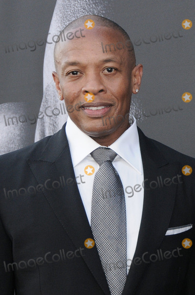 """Dr. Dre, Dr Dre, Dres, Hüsker Dü Photo - 22 June 2017 - Hollywood, California - Dr. Dre. HBO's """"The Defiant Ones"""" Los Angeles premiere held at Paramount Theater in Hollywood. Photo Credit: Birdie Thompson/AdMedia"""