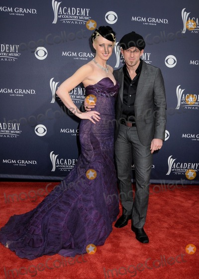 Shawna, Thompson Square, Shawna Thompson, Keifer Thompson Photo - 3 April 2011 - Las Vegas, Nevada - Shawna Thompson and Keifer Thompson of Thompson Square. 46th Annual Academy of Country Music Awards - Arrivals held at the MGM Grand Garden Arena. Photo: Byron Purvis/AdMedia