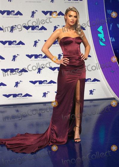 Alissa Violet Photo - 27 August 2017 - Los Angeles, California - Alissa Violet. 2017 MTV Video Music Awards held at The Forum. Photo Credit: F. Sadou/AdMedia