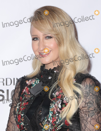Margo Price, Dolly Parton Photo - 08 February 2019 - Los Angeles California - Margo Price. MusiCares Person Of The Year Honoring Dolly Parton held at Los Angeles Convention Center. Photo Credit: PMA/AdMedia