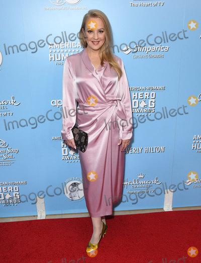 Wendi McLendon-Covey Photo - 05 October 2019 - Beverly Hills, California - Wendi McLendon-Covey. 9th Annual American Humane Hero Dog Awards held at Beverly Hilton Hotel. Photo Credit: Birdie Thompson/AdMedia