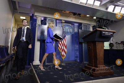 Kayleigh McEnany, White House, The White Photo - White House Press Secretary Kayleigh McEnany arrives to conduct a daily press briefing in the Brady Press Briefing Room of the White House in Washington, DC on October 1, 2020. Credit: Yuri Gripas / Pool via CNP/AdMedia