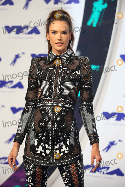 Alessandra Ambrosio Photo - 27 August 2017 - Los Angeles, California - Alessandra Ambrosio. 2017 MTV Video Music Awards held at The Forum. Photo Credit: F. Sadou/AdMedia
