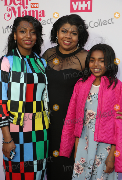 """April Ryan Photo - 02 May 2019 - Los Angeles, California - April Ryan, Daughters. VH1's Annual """"Dear Mama: A Love Letter To Mom""""  held at The Theatre at Ace Hotel. Photo Credit: Faye Sadou/AdMedia"""