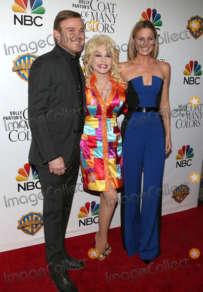Dolly Parton, Jennifer Nettles, Ricky Schroder Photo - 02 December 2015 - Hollywood, California - Ricky Schroder, Dolly Parton, Jennifer Nettles. Dolly Partons Coat of Many Colors Screening held at the  Egyptian Theatre. Photo Credit: Sammi/AdMedia