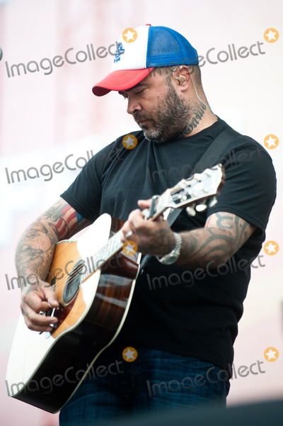 Aaron Lewis Photo - 07 June 2013 - Nashville, TN - Aaron Lewis. 2013 CMA Music Festival Daytime performances held at the Riverfront Stage. Photo Credit: Ryan Pavlov/AdMedia