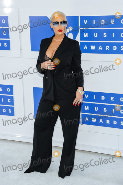 Amber Rose Photo - 28 August 2016 - New York, New York - Amber Rose.  2016 MTV Video Music Awards at Madison Square Garden. Photo Credit: Mario Santoro /AdMedia