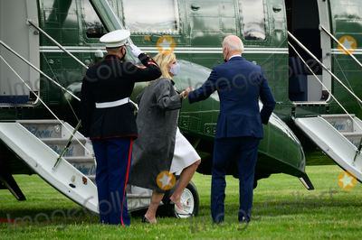 Jill Biden, Joe Biden, Marine One, White House, The White Photo - U.S. President Joe Biden and First Lady Jill Biden arrive to the White House Ellipse on Marine One after a visit to Virginia, in Washington, D.C., U.S., on Monday, May 3, 2021. Biden's $4 trillion vision of remaking the federal government's role in the U.S. economy is now in the hands of Congress, where both parties see a higher chance of at least some compromise than for the administrations pandemic-relief bill. Credit: Erin Scott / Pool via CNP/AdMedia