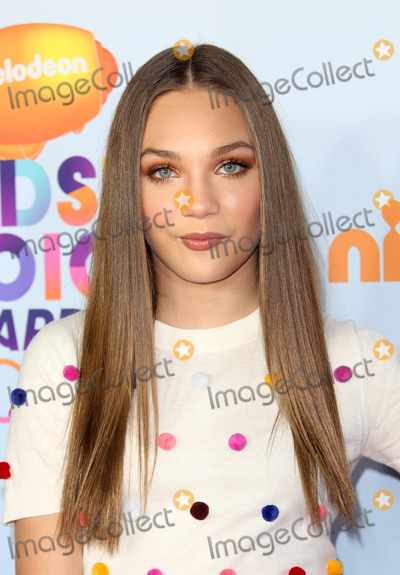 Maddie Ziegler Photo - 11 March 2017 -  Los Angeles, California - Maddie Ziegler. Nickelodeon's Kids' Choice Awards 2017 held at USC Galen Center. Photo Credit: Faye Sadou/AdMedia