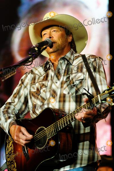 Alan Jackson Tour Canada