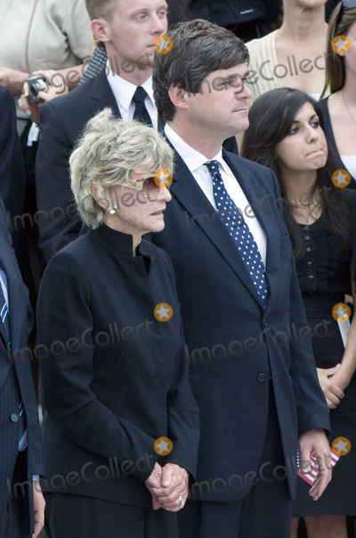 """Jean Kennedy, Jean Kennedy Smith, Jean Kennedy-Smith, Kennedy, Ted Kennedy, William Kennedy Smith, The Ceremonies Photo - Washington, DC - August 29, 2009 -- Jean Kennedy Smith, the last surviving sibling of former U.S. Senator Edward M. """"Ted"""" Kennedy (Democrat of Massachusetts), left, and her son, William Kennedy Smith, right, at the ceremony at the U.S. Capitol on Saturday, August 29, 2009.Credit: Ron Sachs / CNP(RESTRICTION: NO New York or New Jersey Newspapers or newspapers within a 75 mile radius of New York City)/AdMedia"""