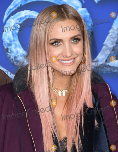 "Ashlee Simpson Photo - 07 November 2019 - Hollywood, California - Ashlee Simpson. Disney's ""Frozen 2"" Los Angeles Premiere held at Dolby Theatre. Photo Credit: Birdie Thompson/AdMedia"
