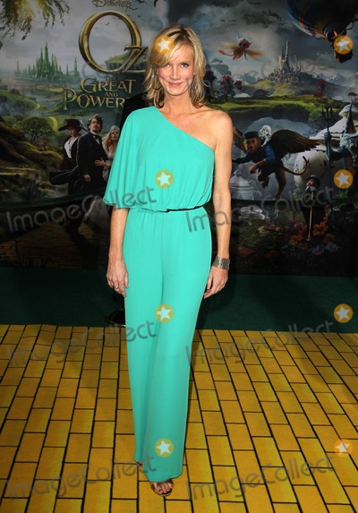 """Beth Littleford Photo - 13 February 2013 - Hollywood, California - Beth Littleford. """"OZ The Great And Powerful"""" - Los Angeles Premiere Held At El Capitan Theatre. Photo Credit: Kevan Brooks/AdMedia"""