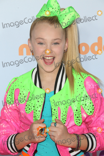 JoJo Siwa, Jo Jo, JoJo Photo - 11 March 2017 -  Los Angeles, California - JoJo Siwa. Nickelodeon's Kids' Choice Awards 2017 held at USC Galen Center. Photo Credit: Faye Sadou/AdMedia