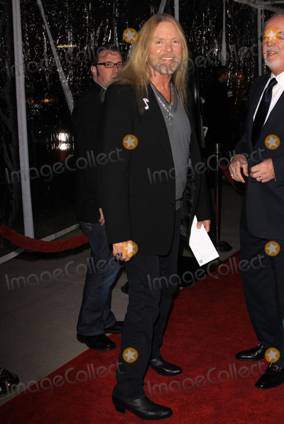"""Greg Allman, Allman Brothers, Allman Brothers Band, Gregg Allman, The Allman Brothers Band, Tragedie Photo - 27 May 2017 - Gregg Allman, the founding member of the Allman Brothers Band who overcame family tragedy, drug addiction and health problems to become a grizzled elder statesman for the blues music he loved, has died. He was 69. Allman died at his home in Savannah, Georgia, according to a statement posted to his official website. The statement says Allman had struggled with many health issues over the past several years. Allman's longtime manager and close friend said, """"I have lost a dear friend and the world has lost a brilliant pioneer in music."""" File Photo: 08 December 2009 - Beverly Hills, California - Greg Allman. """"Crazy Heart"""" - Los Angeles Premieres held Academy of Motion Picture Arts and Sciences. Photo Credit: Kevan Brooks/AdMedia"""