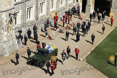 Charles, Prince of Wales, David Armstrong, David Linley, Jaguares, Lord David Linley, Peter Phillips, Prince, Prince Andrew, Prince Charles, Prince Edward, Prince Edward, Earl of Wessex, Prince Edwards, Prince Harry, Prince of Wales, Prince Philip Duke of Edinburgh, Prince William, Princess Anne, Timothy Laurence, Viscount Linley, Wale, PRINCE PHILIP, Princess Royal Photo - Photo Must Be Credited Alpha Press 073074 17/04/2021Princess Anne, Princess Royal, Prince Charles, Prince of Wales, Prince Andrew, Duke of York, Prince Edward, Earl of Wessex, Prince William, Duke of Cambridge, Peter Phillips, Prince Harry, Duke of Sussex, Lord Viscount Linley Earl of Snowdon David Armstrong-Jones Viscount Lord David Linley and Vice-Admiral Sir Timothy Laurence follow Prince Philip, Duke of Edinburgh's coffin on a modified Jaguar Land Rover during the funeral of Prince Philip Duke of Edinburgh at St George's Chapel in Windsor Castle in Windsor, Berkshire.*** No UK Rights Until 28 Days from Picture Shot Date ***/AdMedia