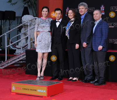 Alan Bergman, Alan Horn, Alan Horne, Kathleen Kennedy, Kennedy, Donnie Yen, Cissy Wang Photo - 30 November 2016 - Hollywood, California. Cissy Wang, Donnie Yen, Kathleen Kennedy, Alan Horn, Alan Bergman.   Donnie Yen Hand And Footprint Ceremony held at TCL Chinese Theater. Photo Credit: Birdie Thompson/AdMedia