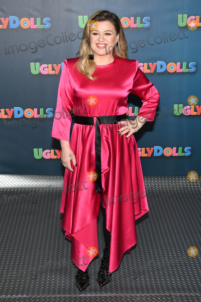"Kelly Clarkson, Four Seasons, The Four Seasons Photo - 13 April 2019 - Beverly Hills, California - Kelly Clarkson. ""UglyDolls"" Los Angeles Photo Call held at The Four Seasons Hotel. Photo Credit: Billy Bennight/AdMedia"