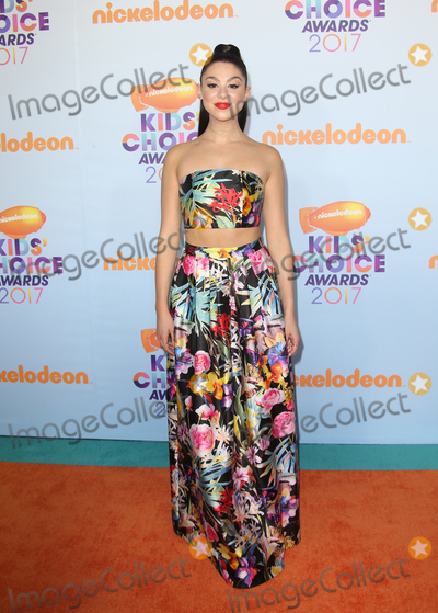 Kira Kosarin Photo - 11 March 2017 -  Los Angeles, California - Kira Kosarin. Nickelodeon's Kids' Choice Awards 2017 held at USC Galen Center. Photo Credit: Faye Sadou/AdMedia