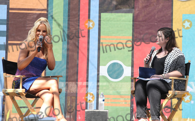Gigi Gorgeous, Jessica Paré Photo - 13 April 2019 - Los Angeles, California - Gigi Gorgeous, Jessica Roy. 2019 Los Angeles Times Festival Of Books held at University of Southern California. Photo Credit: Faye Sadou/AdMedia