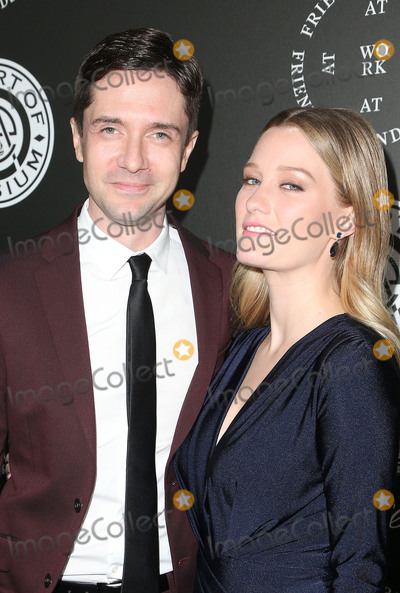Ashley Hinshaw, Topher Grace Photo - 06 January 2018 - Santa Monica, California - Topher Grace, Ashley Hinshaw. The Art Of Elysium's 11th Annual Black Tie Artistic Experience HEAVEN Gala held at Barker Hangar. Photo Credit: F. Sadou/AdMedia